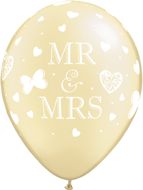 Mr and Mrs Pearl Ivory Latex Round 11in/27.5cm