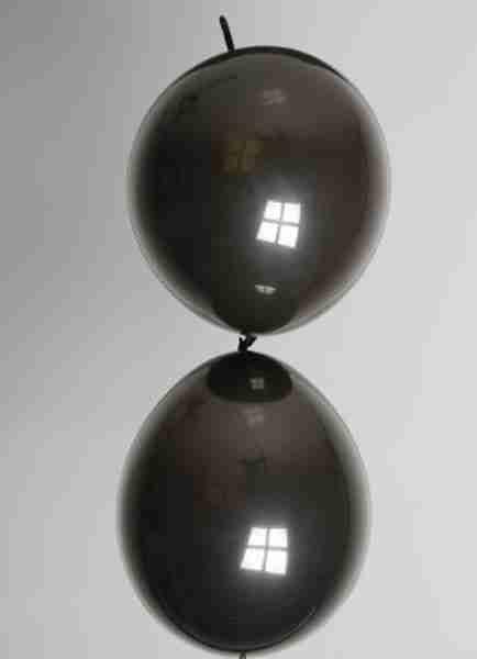 Doorknoopballon 25cm zwart
